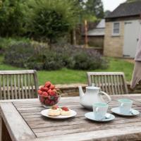Plum Guide - Jasmine Cottage
