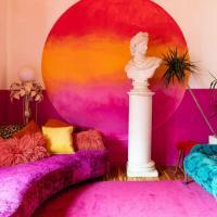 Plum Guide - Pink Acid