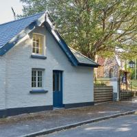 Plum Guide - School House