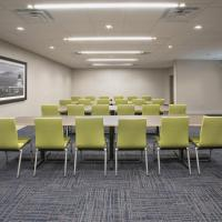 Holiday Inn Express & Suites - Calgary Airport Trail NE