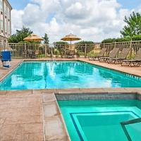 Holiday Inn Express & Suites Cotulla, an IHG Hotel