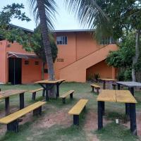 Quarto e sala com vista e acesso ao rio em Santa Cruz de Aracruz