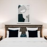 Tomfoolery Winemaker's Cottage Barossa Valley, hotel em Lights Pass