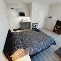Brand New Studios With Kitchenette In Westcliff On Sea, Southend