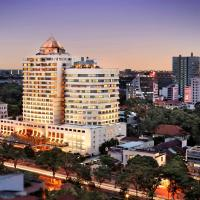 Sofitel Saigon Plaza, hotel in Ho Chi Minh City