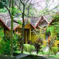 Savitri Inn Bamboo Cottage - A Wandertrails Stay