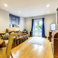 Pass the Keys - Homey 1-BR flat with garden in South West London