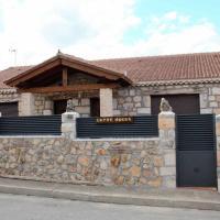 Casa Entre Hoces810paxJardín y barbacoa