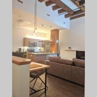 Modern 2 Bedroom Loft - Prime Location - Near top Restaraunts