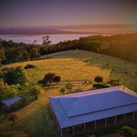 32 Zachary Drive Farm Stay Iconic Water Views, hotel em Mallacoota
