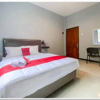 RedDoorz Syariah near T2 Juanda Airport 2, hotel near Juanda International Airport - SUB, Dares