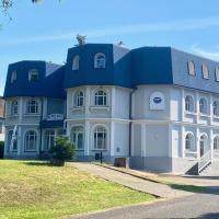 GrandLux Villa & Spa, отель в Теплице