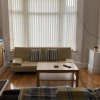 Anfield House 3 Bedroom 2 Mins from Anfield Stadium Sleeps 7