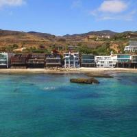 Luxury Malibu Beachfront Home-Short or Long-Term, hotel in Malibu