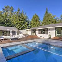 Sonoma Area Oasis Spacious Pool Deck with Grill, hotel in Sebastopol
