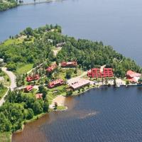 Four-Season Resort on the Shore of Calabogie Lake, hotel em Calabogie