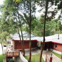 Dreamwood Lodge suites夢木小屋套房, hotel in Dongshi