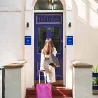 Dolphin Inn - The Lodge