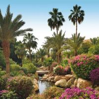 Mövenpick Resort & Spa Dead Sea, hotel in Sowayma