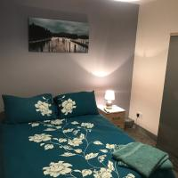 Modern and Central Doncaster Apartment with Free Parking