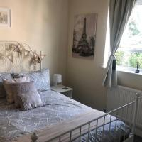 & Cosy Apartment in the heart of Stokes Croft