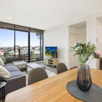 2-Bed Unit with Parking, Balcony and Pool near CBD