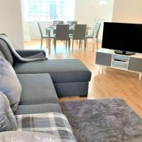 TRAFFORD/MANCHESTER MODERN 3 BEDROOM HOUSE SLPS 8