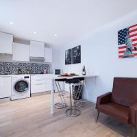 Room in Apartment - The New York Roanne