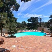 Winelands Villa Guesthouse and Cottages, hotel in Somerset West