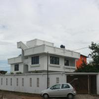 Yaya's House, hotel em Posorja
