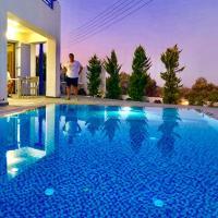 SAM 29 VILLA, hotel in zona Aeroporto Internazionale di Santorini - JTR, Monolithos