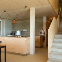Gästehaus auf drei Ebenen mit See- und Alpenblick für 6 Personen