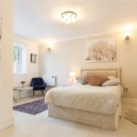 Modern apartment close to central London (zone 2)