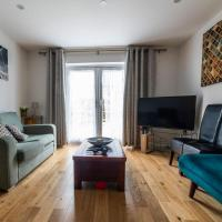 Canterbury Sun Filled Four Bedroom House with Own Garden in Elephant and Castle