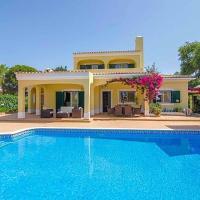 Barros da Fonte Santa Villa Sleeps 7 with Pool Air Con and WiFi