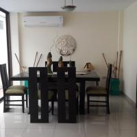 Casa en Samborondón, hotel em Estancia Vieja