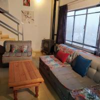 Lisa's Farm Place, hotel in Rishon LeẔiyyon