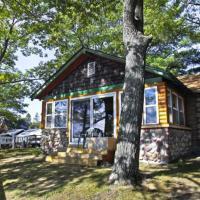 Main Cabin - STARRY NIGHTS cabin, hotel in Carp Lake