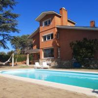 Apartment with 2 bedrooms in Villaviciosa de Odón with shared pool and enclosed garden