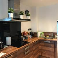 Perfect for work or leisure! 12th Floor 2 bed city centre apartment with secure parking