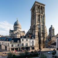 13 PLACE CHATEAUNEUF - TOURS
