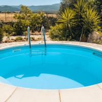 Casa Asfodeli - Villetta in campagna con piscina, hotell i Cuglieri