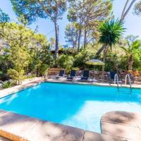 Cala Mondrago Holiday Home Sleeps 6 with Pool, hotel in Cala Mondrago