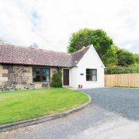 Maple Cottage with Hot Tub near Cupar Fife