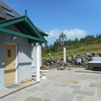 Rose Cottage with Hot Tub near Glenshee, Perthshire