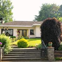 Quaint Villa in Amel with Sauna, hotel in Amblève