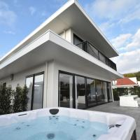 Splendid Villa in Zeewolde with Jacuzzi