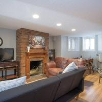 Sojourn Capitol Hill 2 BR condo with parking