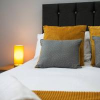 The Alnham, large apartment near city centre with parking, hotel near Newcastle International Airport - NCL, Kenton