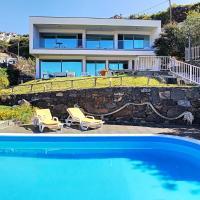 Villa Calcada with private pool, hotel near Cristiano Ronaldo Madeira International Airport - FNC, Santa Cruz